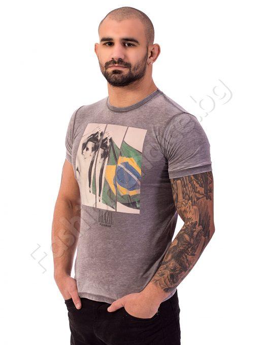 Мъжка тениска с щампа на жена и бразилското знаме