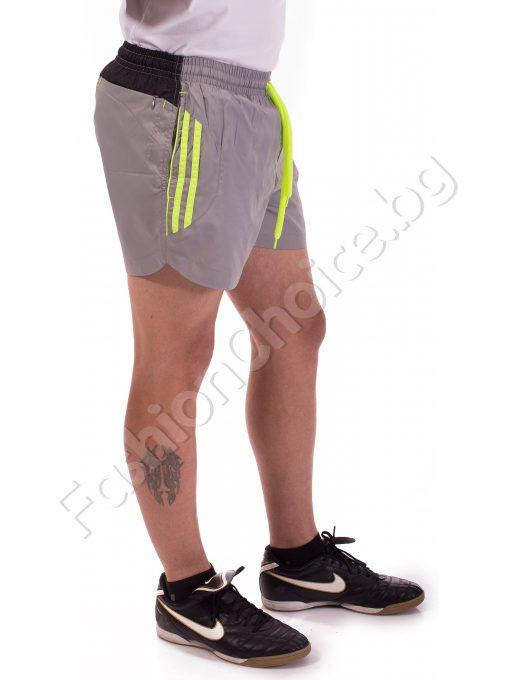 Панталони тип шорти с бандаж в светло сиво с зелени кантове