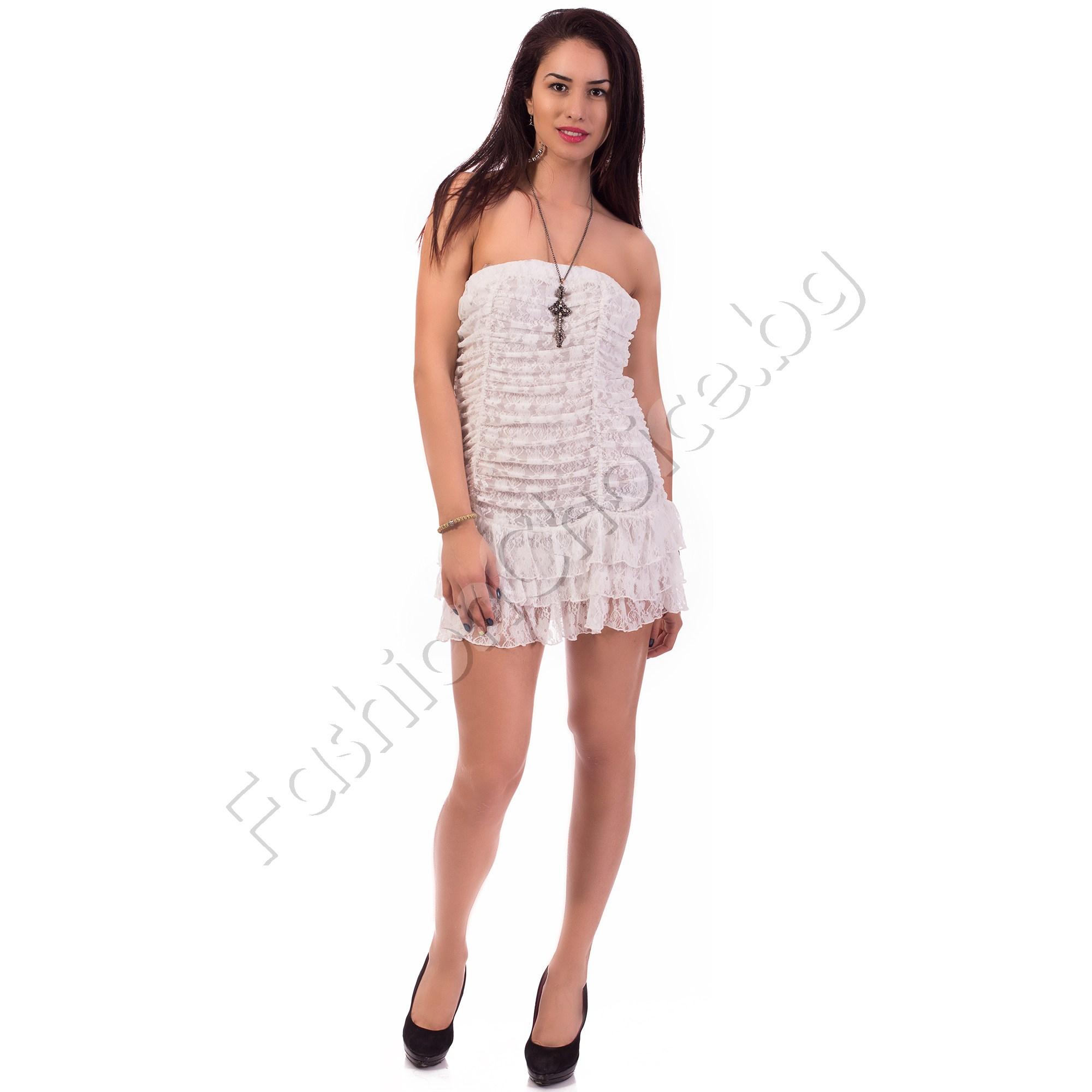 Дантелена рокля на воали тип бюстие