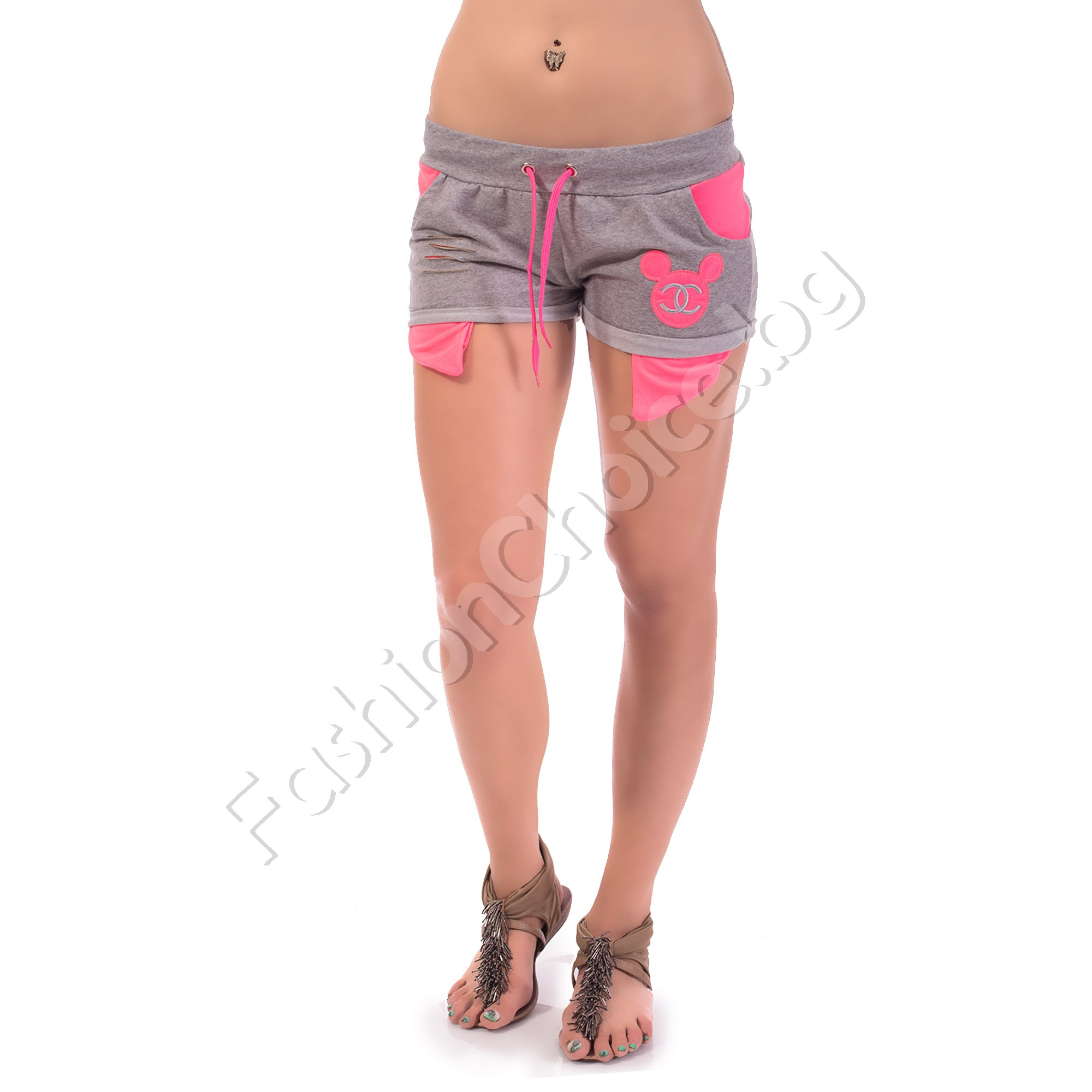 Дамски къси панталонки с Мики в три цвята