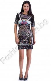 Атрактивна дамска рокля по тялото с пъстри шарки