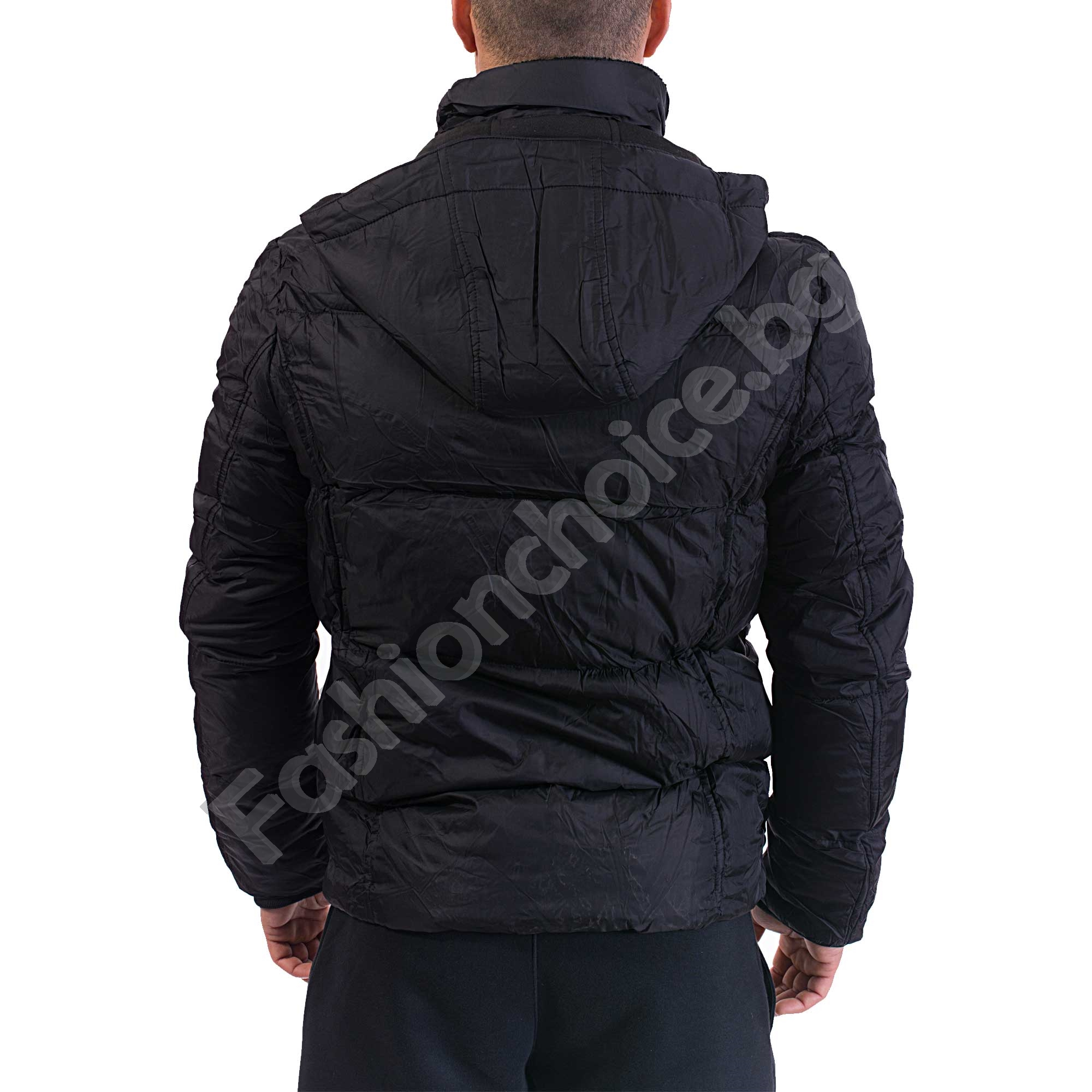 Дебело зимно яке с джобчета и качулка в черно и тъмно синьо
