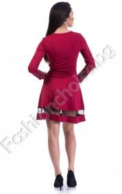 Грациозен модел дамска рокля в бордо с тюл за акцент