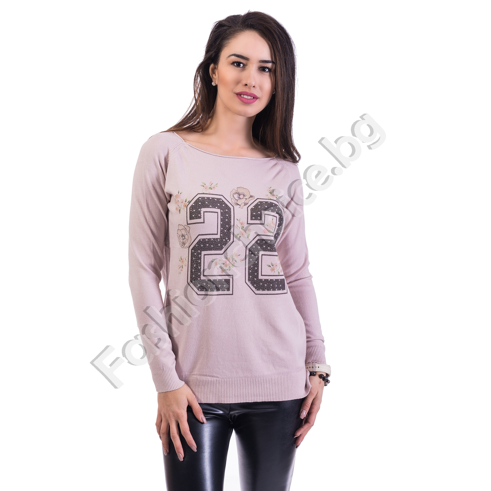 Дамска блуза от фино плетиво с апликация в пет цвята