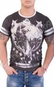 Ефектен модел мъжка тениска с обло деколте и щампи