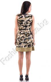 Дамска рокля с модерна разкроена кройка и платки в камуфлажен десен