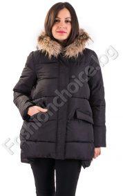 Зимно дамско яке с качулка - естествен косъм от енот в черен цвят