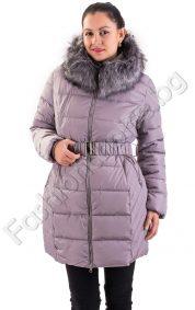 Дебело дамско зимно яке с качулка от еко косъм асиметричен модел