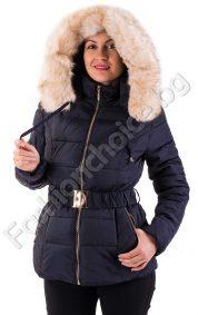 Топло дамско зимно яке с разкошна качулка от еко косъмТопло дамско зимно яке с разкошна качулка от еко косъм и коланче и коланче
