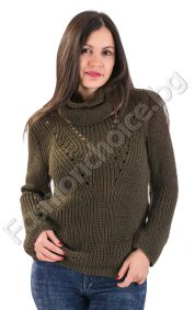 Изчистен зимен дамски пуловер с шал в два цвята