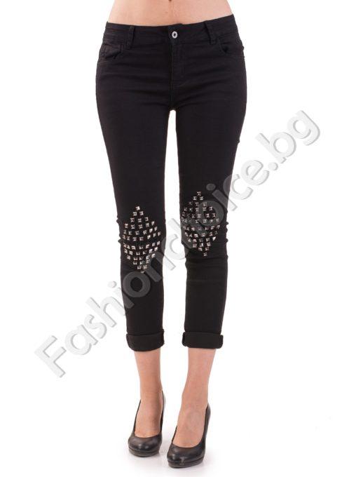 Черни дамски дънки с кабзички на колената в черен цвят