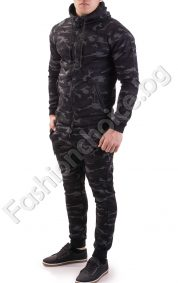Камуфлажен мъжки спортен комплект от две части с качулка
