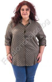 Издължена дамска риза макси размер в цвят каки на точки
