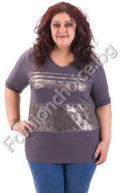 Практична макси блуза в сив цвят със сребристи линии