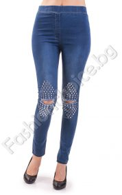 Модерен дамски клин с капсички на коляното