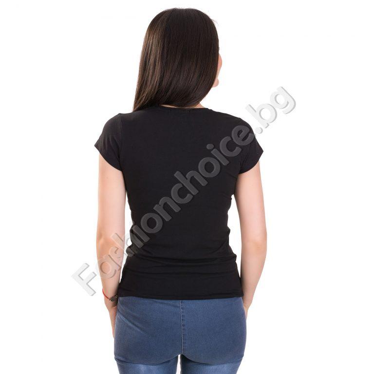 Изчистена дамска блуза с красива дънкова щампа