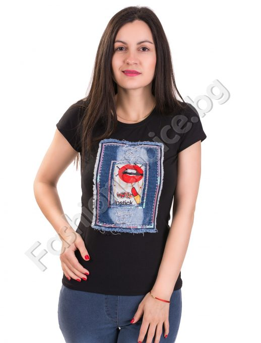 Изчистена дамска блуза с красивИзчистена дамска блуза с красива дънкова щампа а дънкова щампа