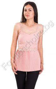 Летен дамски топ с плисе и дантела в цвят пудра и бяло