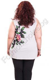 Разкошен дамски топ с цветя и лека цепка /големи размери/