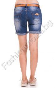 Изчистени 3/4 дамски панталонки в тъмен деним с кожен колан