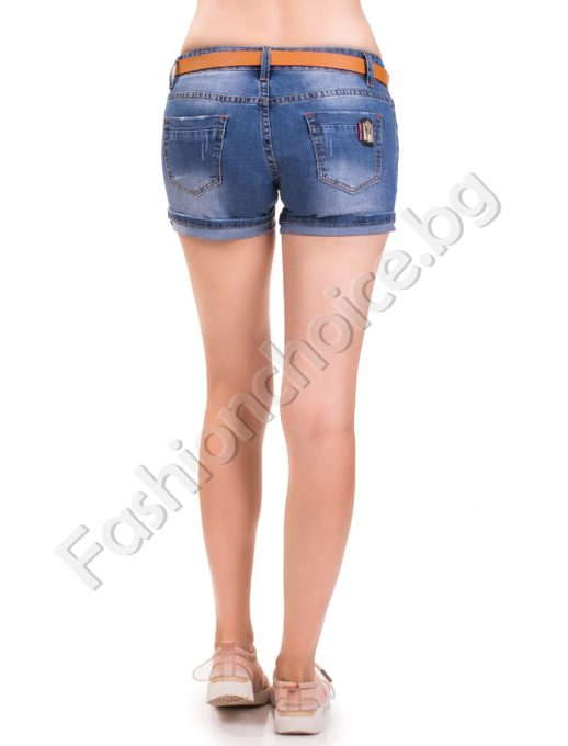 Дънкови къси панталонки с метално ключе на задния джоб