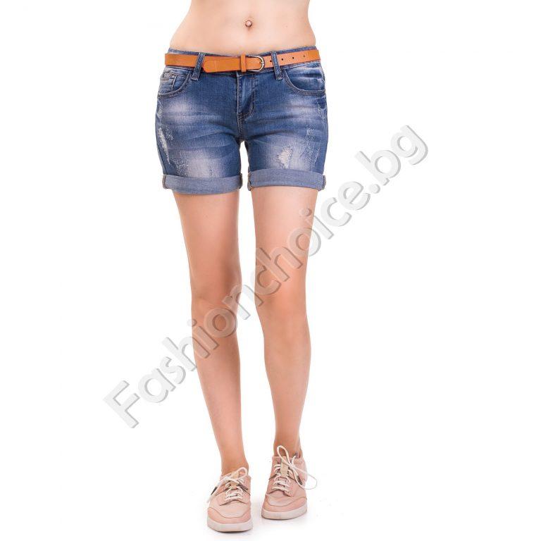 Дамски дънкови панталонки в тъмен деним с надран ефект