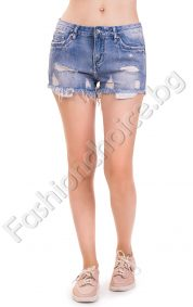 Накъсани дънкови панталонки в светъл деним