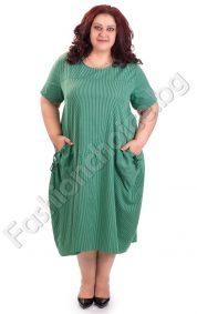 Ефектна дамска рокля на ситно райе в голям размер