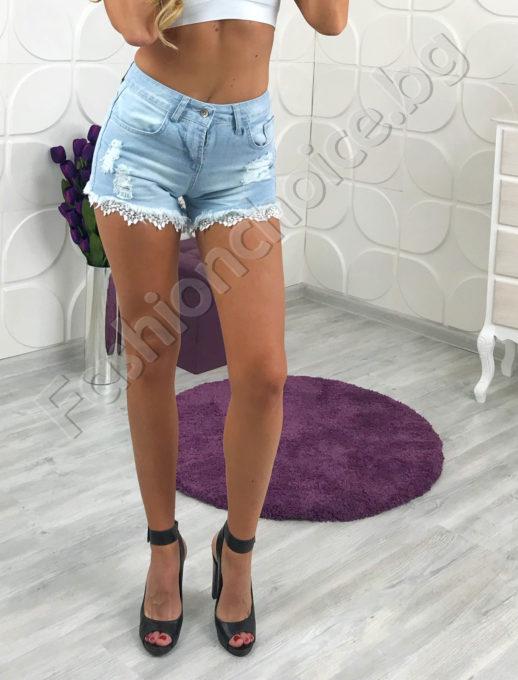 Дамски къси дънкови панталонки с дантела и висока талия