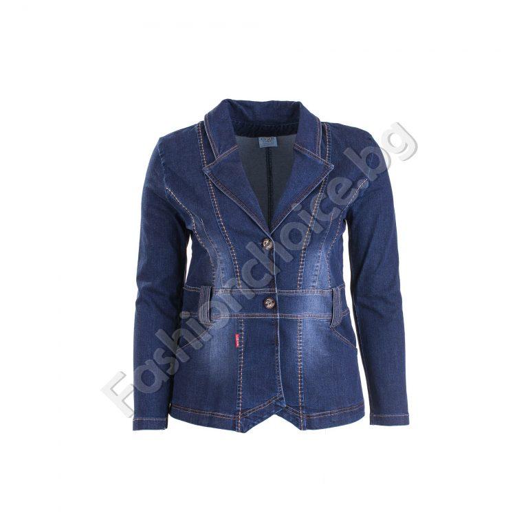 Ефектно дънково дамско сако с копченца за есента