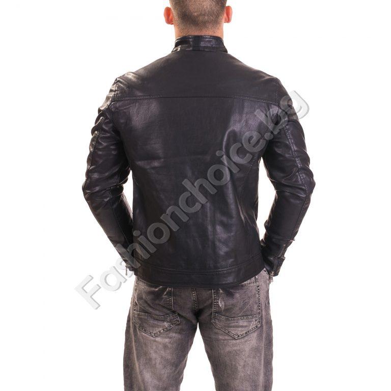 Модерно кожено мъжко яке с джобчета в черно