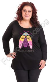 Удобна блуза в големи размери с бляскави камъчета