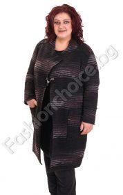 Ефектна дамска жилетка с брошка в големи размери