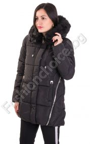 Зимно дамско яке с издължена задна част в черно и тъмно синьо