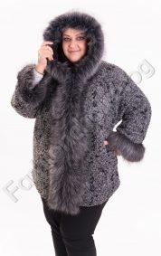 Кокетно вълнено макси палтенце с елегантен еко косъм