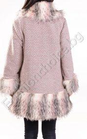 Елегантно дамско палто с красив еко косъм