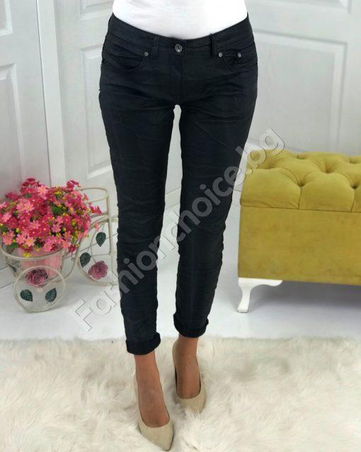 Модерен интересен дамски панталон с намачкан ефект
