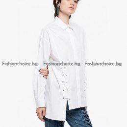 Екстравагантна дамска риза в класически цветове