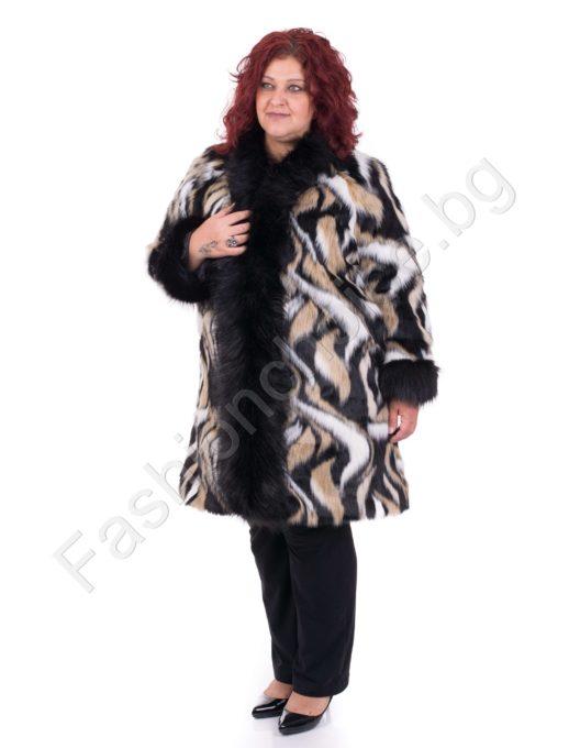 Дизайнерско макси палтенце с разкошен еко косъм в абстрактен принт