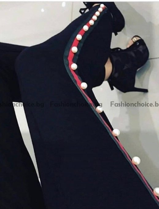 Актуален дамски клин в черно с различен кант от перли