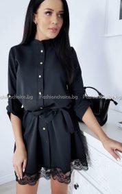 Черна дамска рокля с копченца и дантела