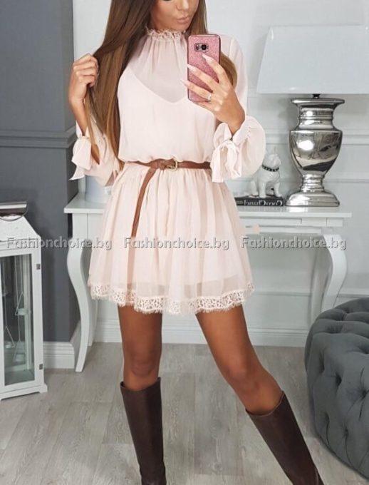 Къса секси рокличка от ефирен шифон с коланче