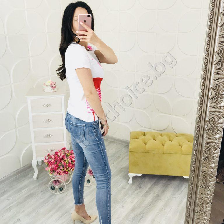 Дамска блузка в черно или бяло с щампа