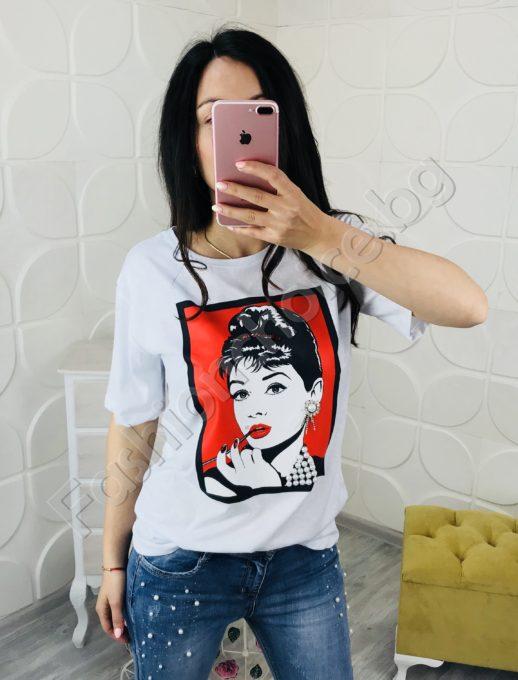 Модерна дамска блузка с щампа и камъчета