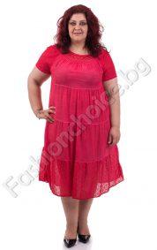 Прекрасна изчистена макси рокля с акценти от брюкселска дантела