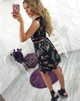 Къса черна рокля на цветя с коланче