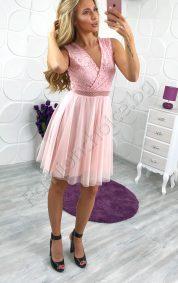 Възхитителна дамска рокля с дантела и нежен тюл