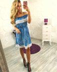 Сладка рокля от син деним с нежна дантела