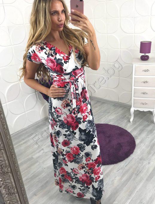 Невероятна и женствена рокля в нежно бяло