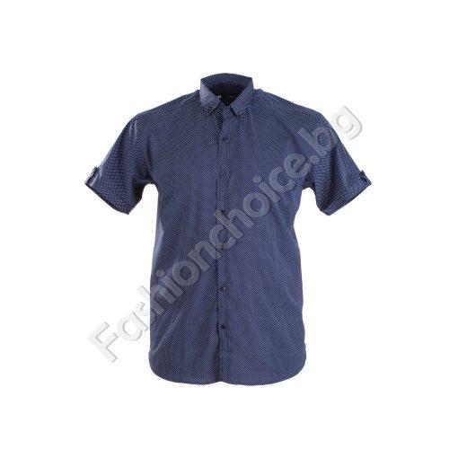Мъжка риза на дребни точки с къс ръкав в големи размери